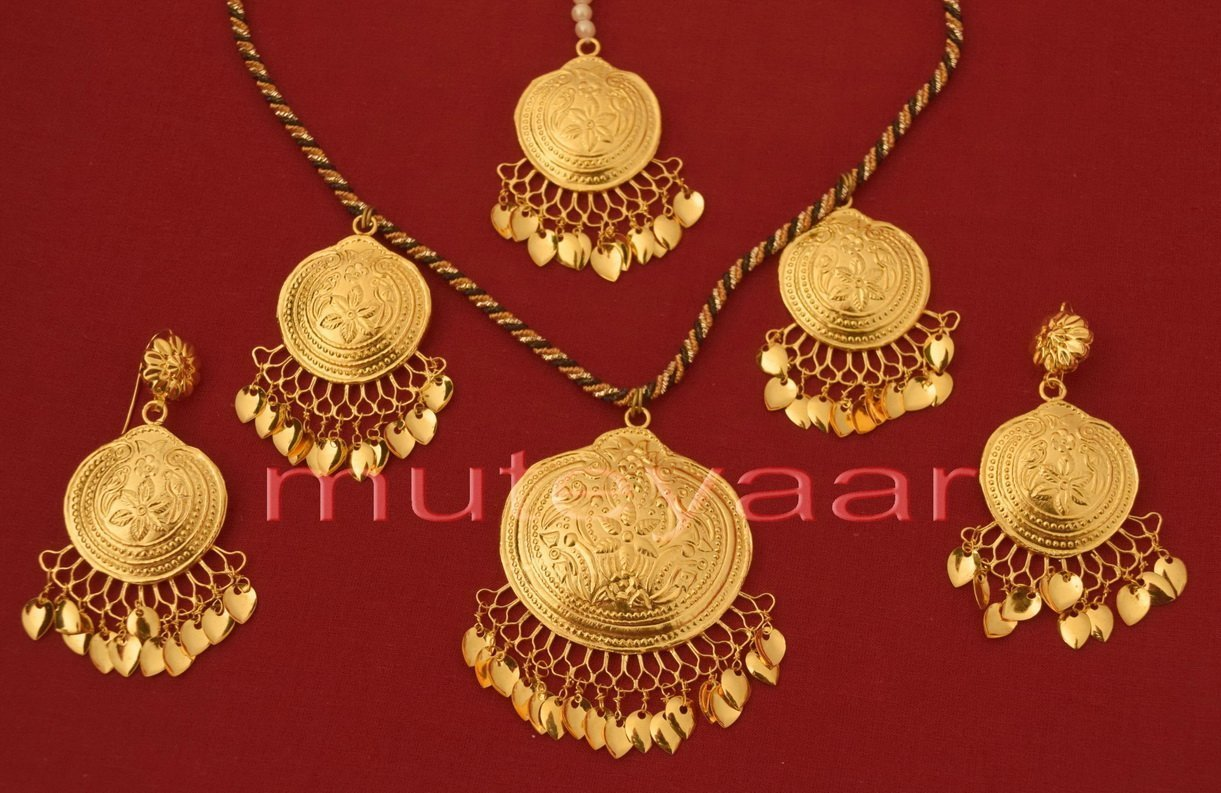 24 Ct. Gold Plated Handmade Necklace Earrings set with matching Tikka J0113