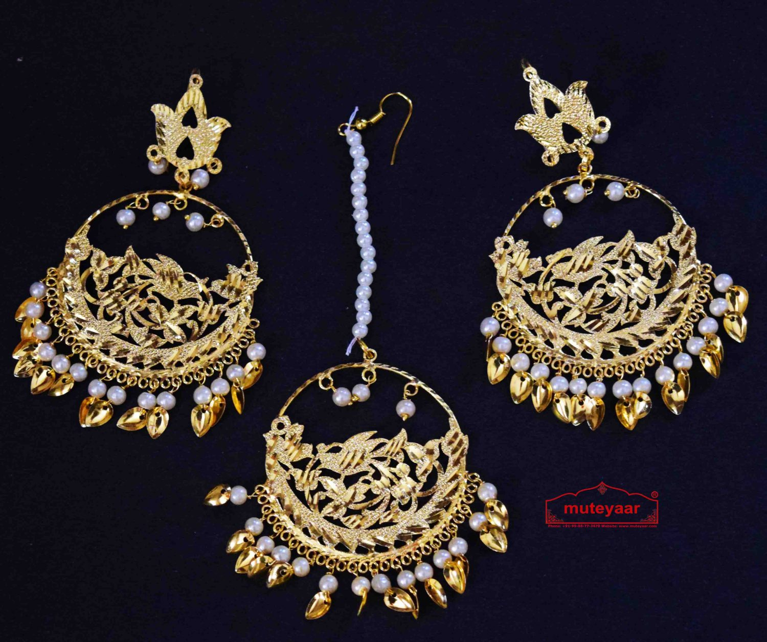 Punjabi Tikka Set with matching earrings J0509 1